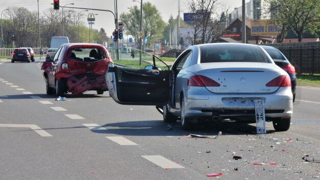 Cztery samochody rozbite, kierowca pod wpływem